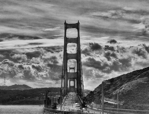 CloudyGoldenGate_grayscale.jpg